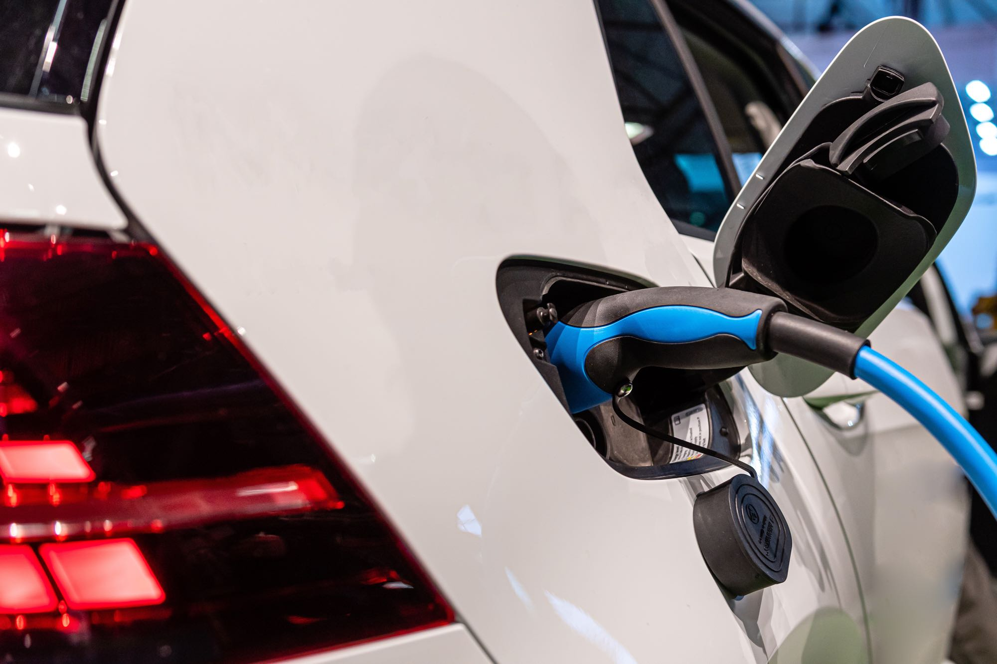 The Pros and Cons of owning an Electric Car